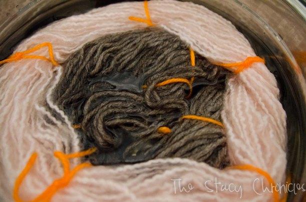 yarn dying, gun 008