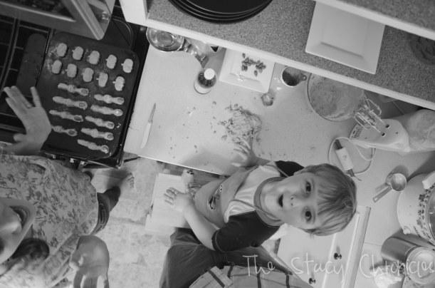 Baking Cookies 042