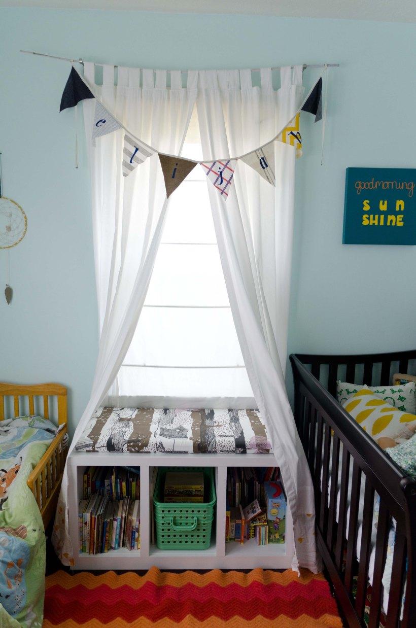 Bookshelf 010